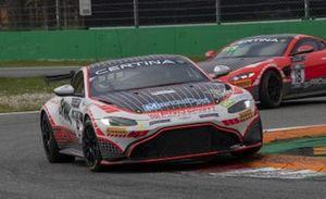 #18 PROsport Performance Aston Martin Vantage GT4: Akhil Rabindra and Florian Thoma