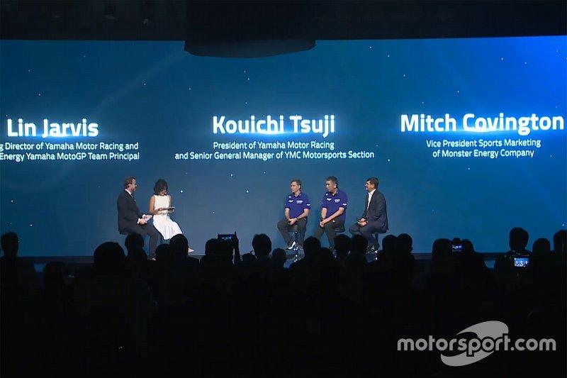 Ambiente en el lanzamiento de Yamaha Factory Racing