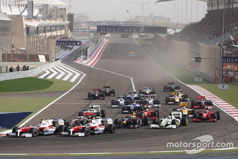 Timo Glock, Toyota TF109, Jarno Trulli, Toyota TF109, Lewis Hamilton, McLaren MP4-24 Mercedes, Jenson Button, Brawn GP BGP001 Mercedes, Sebastian Vettel, Red Bull Racing RB5 Renault