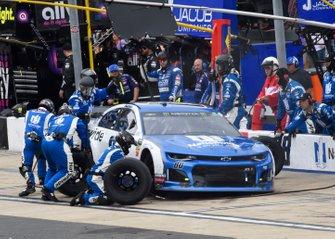 Alex Bowman, Hendrick Motorsports, Chevrolet Camaro Nationwide, pit stop