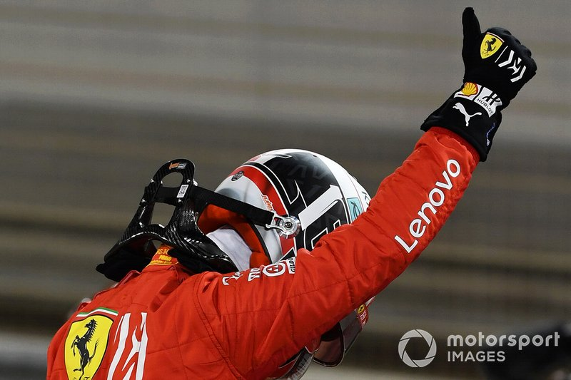 Charles Leclerc, Ferrari, celebra su pole