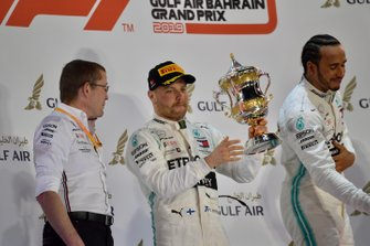 Valtteri Bottas, Mercedes AMG F1, 2nd position, lifts his trohy