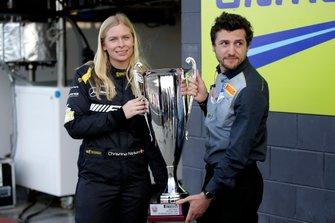 Christina Nielsen met de Allan Simonsen Pole trophy