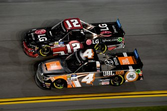 Todd Gilliland, Kyle Busch Motorsports, Toyota Tundra JBL and Gus Dean, Young's Motorsports, Chevrolet Silverado LG Air Conditioning Technologies