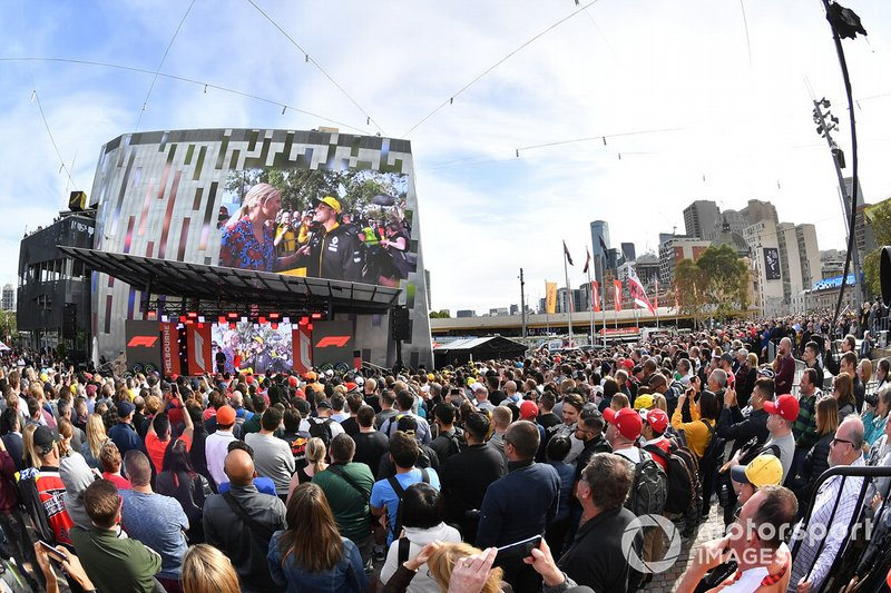 Tifosi all'evento a Federation Square