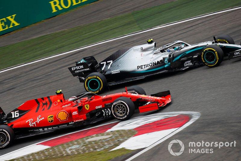 Charles Leclerc, Ferrari SF90, lotta con Valtteri Bottas, Mercedes AMG W10