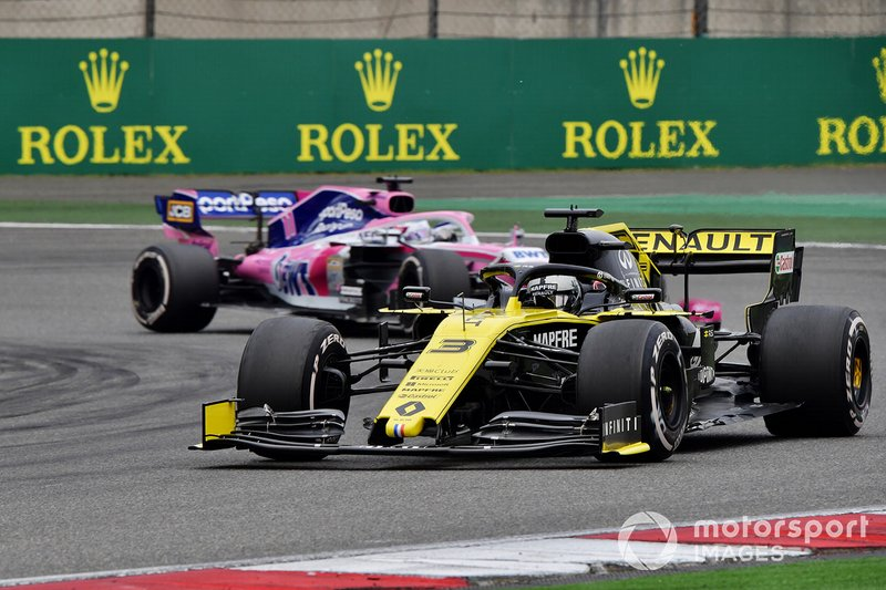 Daniel Ricciardo, Renault F1 Team R.S.19, Sergio Perez, Racing Point RP19