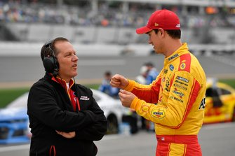 Joey Logano, Team Penske, Ford Mustang Shell Pennzoil and Todd Gordon