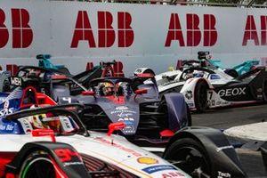 Robin Frijns, Envision Virgin Racing, Audi e-tron FE05, in the pack