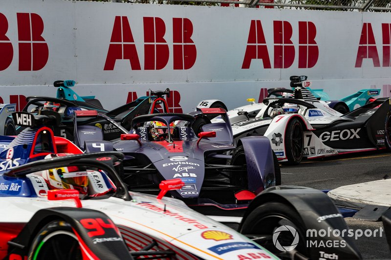 Robin Frijns, Envision Virgin Racing, Audi e-tron FE05, in the pack
