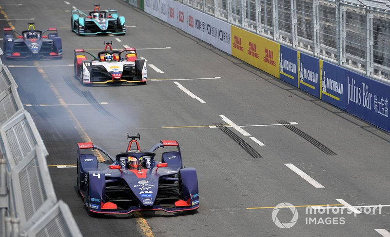 Robin Frijns, Envision Virgin Racing, Audi e-tron FE05, performs a practice start in front of Lucas Di Grassi, Audi Sport ABT Schaeffler, Audi e-tron FE05, Sam Bird, Envision Virgin Racing, Audi e-tron FE05, Mitch Evans, Panasonic Jaguar Racing, Jaguar I-Type 3