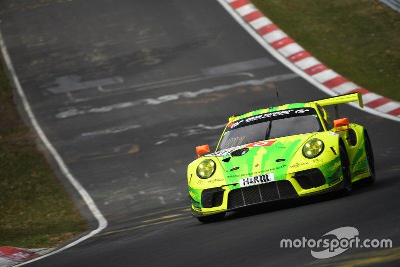 #911 Manthey-Racing Porsche 911 GT3 R: Earl Bamber, Laurens Vanthoor