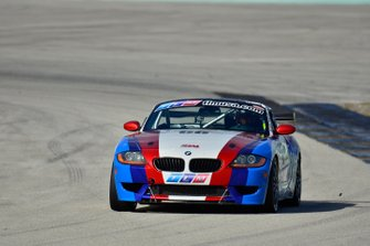 #66 MP3B BMW driven by Skip McCusker and Jeronimo Guzman of TLM Racing