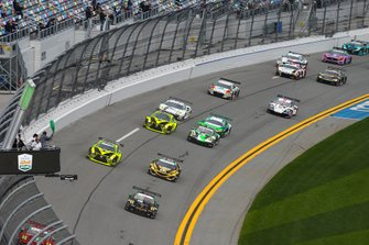 Green Flag, #73 Park Place Motorsports Porsche 911 GT3 R, GTD: Patrick Lindsey, Patrick Long, Matt Campbell, Nicholas Boulle