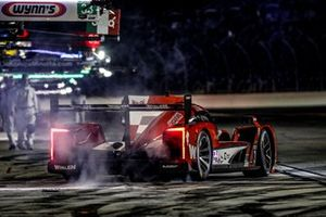 #31 Action Express Racing Cadillac DPi: Felipe Nasr, Eric Curran, Pipo Derani, au stand