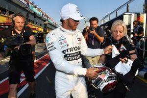 Lewis Hamilton, Mercedes AMG F1, with his Physio Angela Cullen