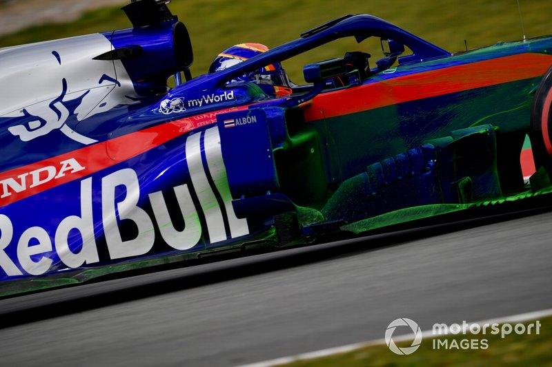 Alex Albon, Scuderia Toro Rosso STR14 con parafina