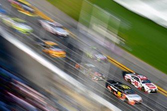 Erik Jones, Joe Gibbs Racing, Toyota Camry Sport Clips and Matt DiBenedetto, Leavine Family Racing, Toyota Camry Procore