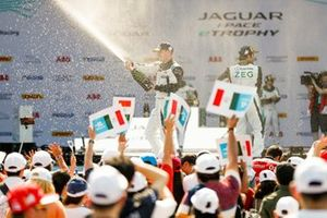 Bryan Sellers, Rahal Letterman Lanigan Racing celebrates on the podium
