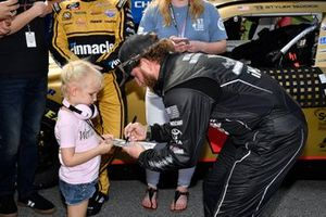 Jeffrey Earnhardt, Joe Gibbs Racing, Toyota Supra iK9 casco