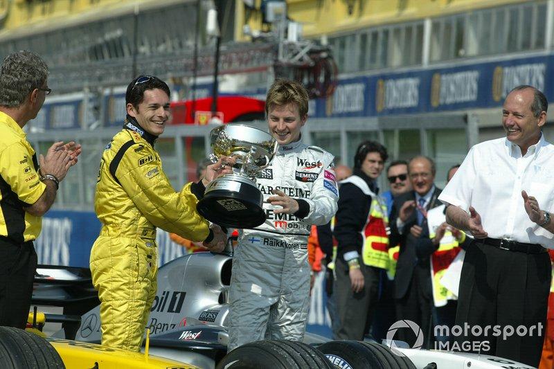 No GP de San Marino, em uma cerimônia não-oficial, Raikkonen entregou o troféu de 1° colocado ao piloto da equipe irlandesa.