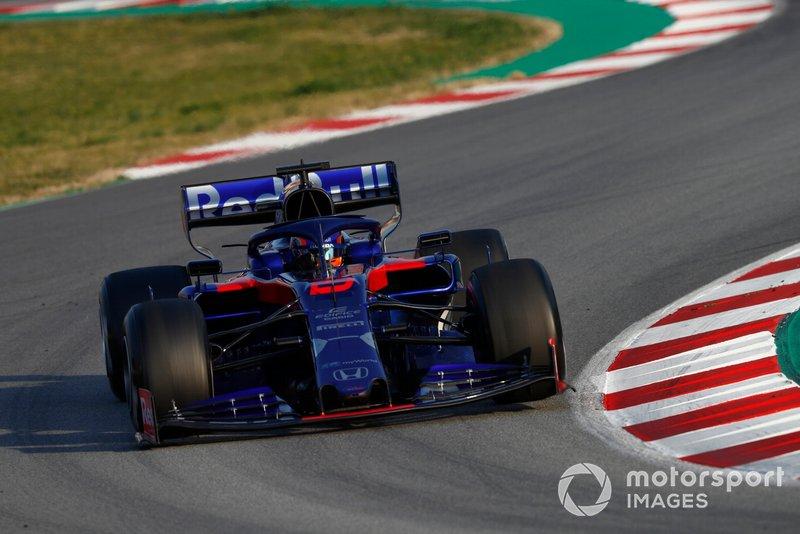 Alex Albon, com a Toro Rosso, foi o segundo do dia