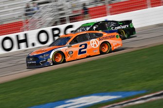 Brad Keselowski, Team Penske, Ford Mustang and Kurt Busch, Chip Ganassi Racing, Chevrolet Camaro ComSurv