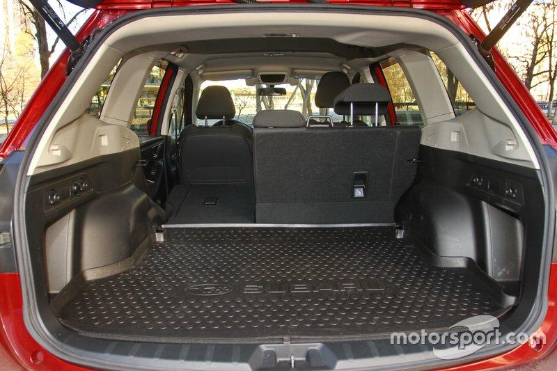 Вантажний відсік Subaru Forester 2018 року