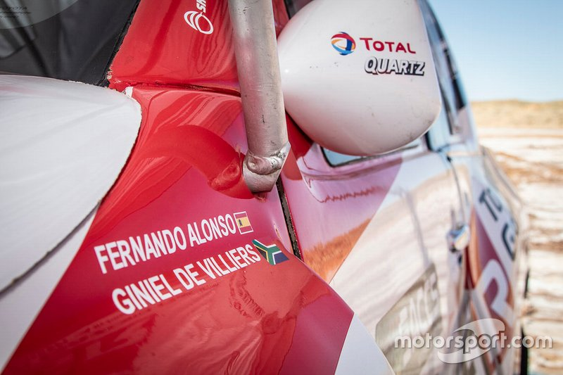 301# Toyota Gazoo Racing Toyota Hilux: Fernando Alonso, Giniel de Villiers, detalhe