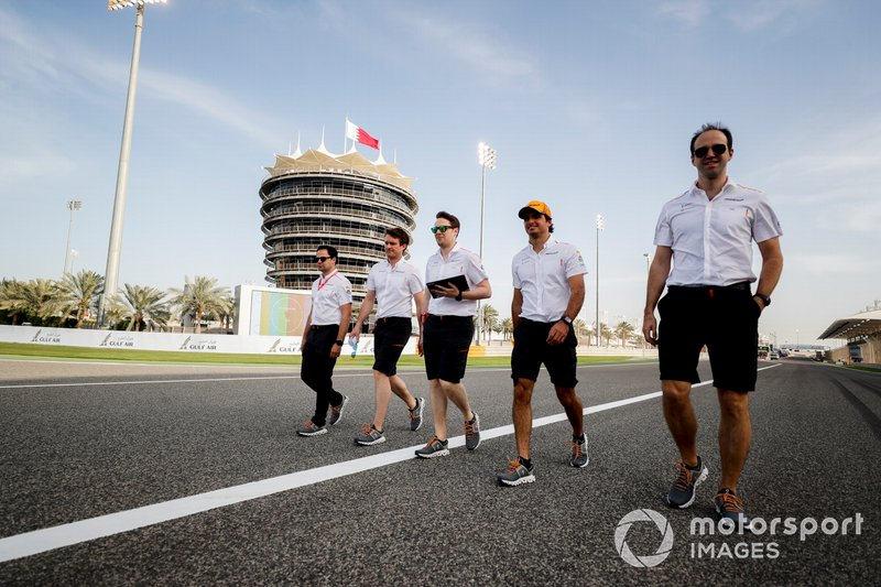 Carlos Sainz Jr., McLaren walks the track