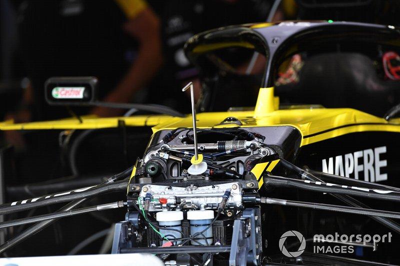 Renault R.S.19 front suspension