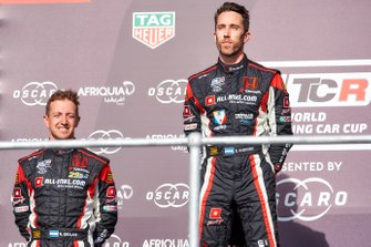 Podium: winnaar Esteban Guerrieri, ALL-INKL.COM Münnich Motorsport Honda Civic Type R TCR, derde Néstor Girolami, ALL-INKL.COM Münnich Motorsport Honda Civic Type R TCR
