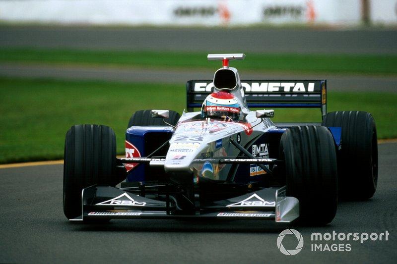 8. Esteban Tuero: 19 años y 320 días en el GP de Australia 1998