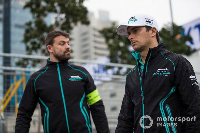 Nelson Piquet Jr., Panasonic Jaguar Racing walks the track