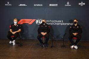 Kevin Magnussen, Haas F1, Guenther Steiner, Team Principal, Haas F1 and Romain Grosjean, Haas F1 in the press conference