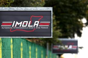 Cartel en Imola