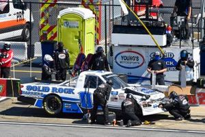 Tate Fogleman, Young's Motorsports, Chevrolet Silverado Solid Rock Carriers pit stop
