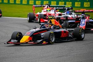 Liam Lawson, Hitech Grand Prix and Oliver Caldwell, Trident