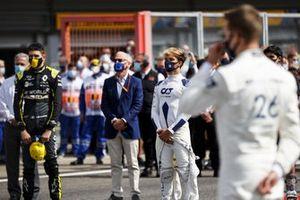 Esteban Ocon, Renault F1 and Pierre Gasly, AlphaTauri on the grid
