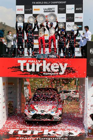 Podium: Race winner Elfyn Evans, Scott Martin, Toyota Gazoo Racing WRT Toyota Yaris WRC, second place Thierry Neuville, Nicolas Gilsoul, Hyundai Motorsport Hyundai i20 Coupe WRC, third place Sébastien Loeb, Daniel Elena, Hyundai Motorsport Hyundai i20 Coupe WRC