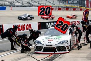 Harrison Burton, Joe Gibbs Racing, Toyota Supra Fields/DEX Imaging pit stop