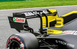 Rear wing and DRS actuator on the car of Daniel Ricciardo, Renault F1 Team R.S.20