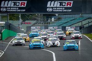 Start des WTCR 2020 auf dem Hungaroring in Budapest