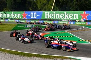 David Beckmann, Trident, Alexander Smolvar, ART Grand Prix, Roman Stanek, Charouz Racing System and Lirim Zendeli, Trident