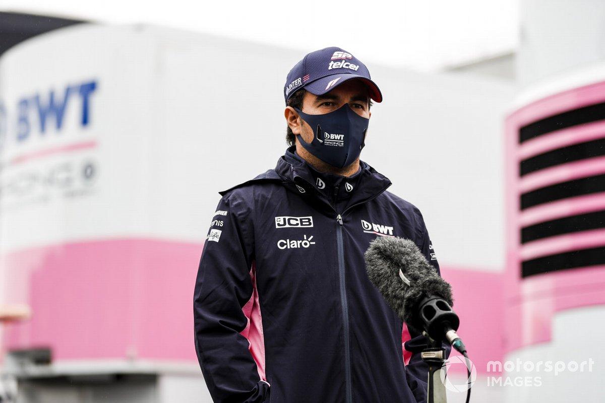 Sergio Perez, Racing Point, habla con los periodistas