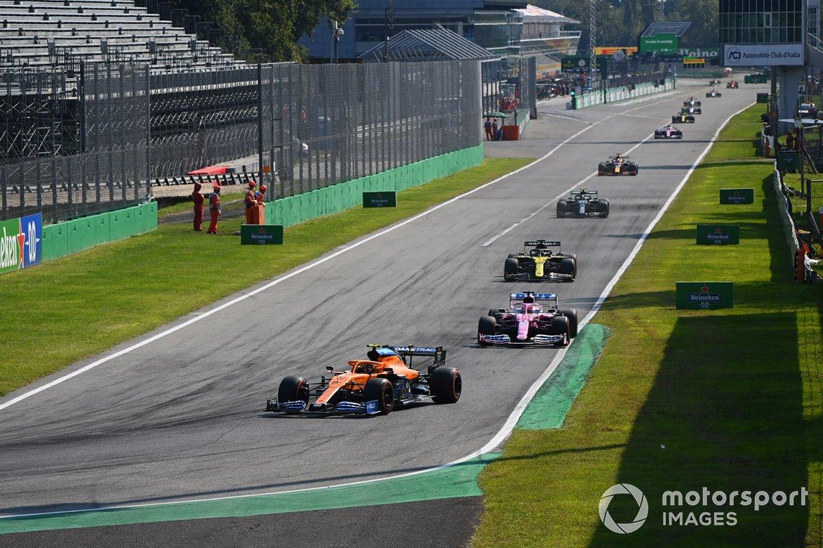 Lando Norris, McLaren MCL35, Lance Stroll, Racing Point RP20, Daniel Ricciardo, Renault F1 Team R.S.20, e Valtteri Bottas, Mercedes F1 W11