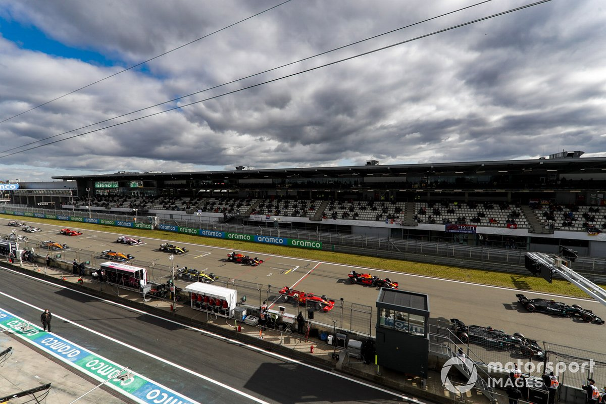 Valtteri Bottas, Mercedes F1 W11 Lewis Hamilton, Mercedes F1 W11, Charles Leclerc, Ferrari SF1000, Max Verstappen, Red Bull Racing RB16 al inicio