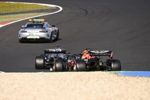 Safety Car Lewis Hamilton, Mercedes F1 W11 and Max Verstappen, Red Bull Racing RB16