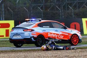 Sturz: Victor Rodriguez Nunez, EAB Ten Kate Racing