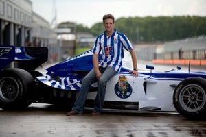 Tristan Gommendy, con el coche del Oporto para la Superleague Formula